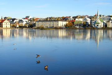 Reykjavík: Car rentals in 4 pickup locations
