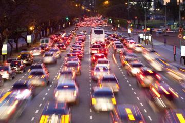 La Plata: Aluguel de carro com 3 locais de retirada