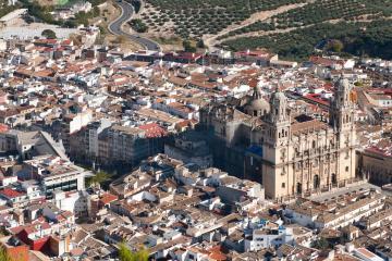 Jaén: Alquiler de coches en 2 lugares de recogida