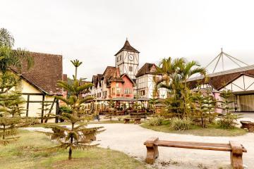 Blumenau: Aluguel de carro com 1 local de retirada