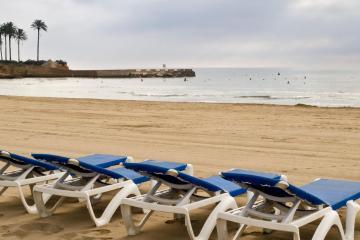 Puerto Sagunto: Alquiler de coches en 3 lugares de recogida