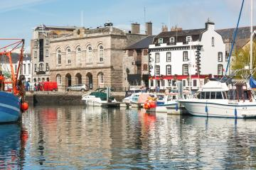 Plymouth: Car hire in 2 pick-up locations