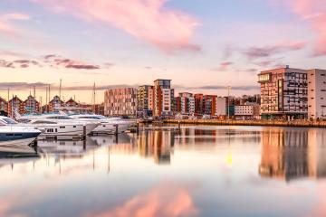 Ipswich: Rental mobil di 1 titik penjemputan