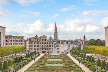 Brussels: Car rentals in 12 pickup locations