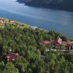 Никола 4 отеля