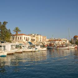 Aegina Town 4 serviced apartments