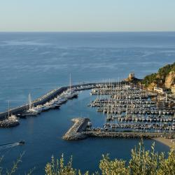 Alassio 9 hotels with pools