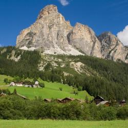 Corvara in Badia 76 hotels