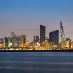 Manama 110 hotels with pools