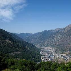 Andorra la Vella 12 hotels with pools