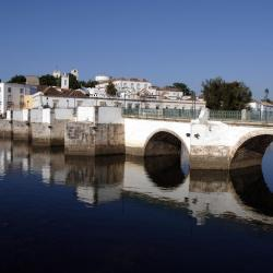 Tavira 16 hotels with a jacuzzi