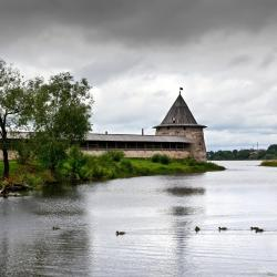 Pskov 3 country houses