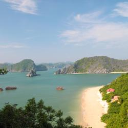 Cat Ba 24 accessible hotels