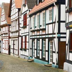 Bad Neuenahr-Ahrweiler 87 Hotels