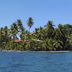 Bastimentos 7 beach hotels