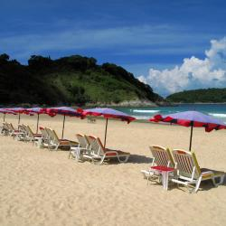 Nai Harn Beach 210 hotels