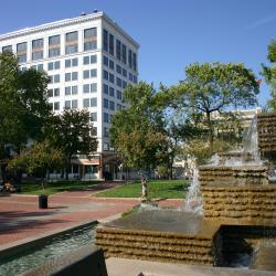 Springfield 76 hotels
