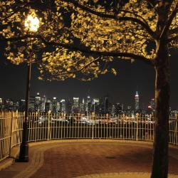 Weehawken 16 hotels
