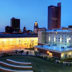 Fort Wayne 50 hotels