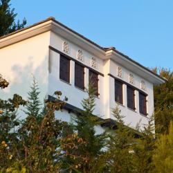 Agios Lavrentios 4 guest houses