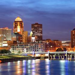 Des Moines 54 hotels
