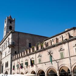 Ascoli Piceno 111 hoteller