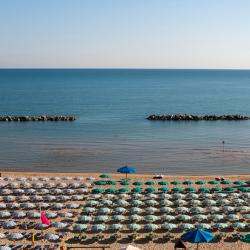 Marina di Montenero 17 hotels
