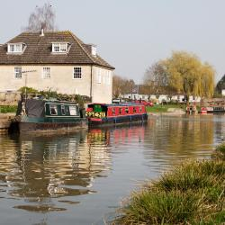Hungerford 7 hotels
