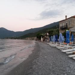 Poulithra 12 hotels