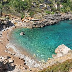 Cala Llonga 8 Self-catering Properties