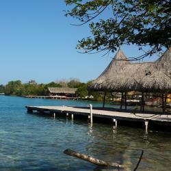 Isla Mucura 7 hotels