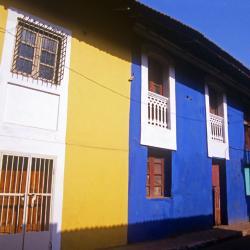 Dona Paula 27 hotels
