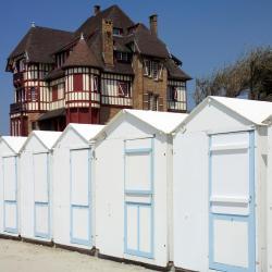 Villers-sur-Mer 150 hotelov