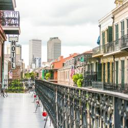 New Orleans 8 hostels