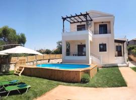 M&M Villa, hotel near The Holy Monastery of Agia Triada, Kathiana