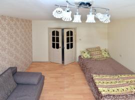 Apartament on Kholzunova 72A