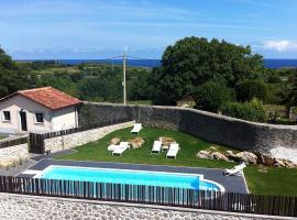Hotel Villa Marrón, hotel in Naves