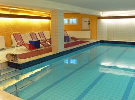 Hotel Meran Hallenbad & Sauna