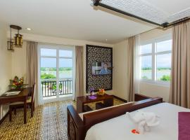 Royal Riverside Hoi An Hotel, hotel in Hoi An