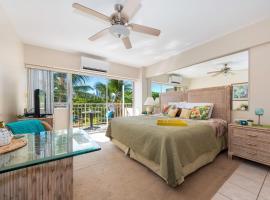 Waikiki Shore 305 (beachfront/balcony)