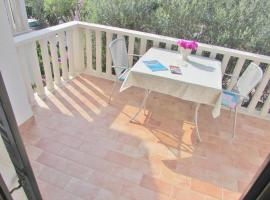 Apartments Sunset Beach, budget hotel in Vela Luka