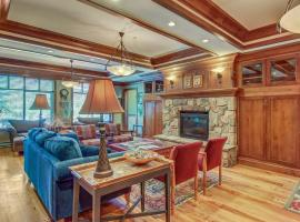 Eagle Springs East 305: House Sparrow Suite