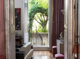 Luxury Design Hotel Particulier le 28, spa hotel in Aix-en-Provence