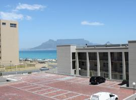The Waves 101, hotel in Bloubergstrand