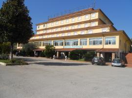 Grand Hotel Pavone, hôtel à Cassino