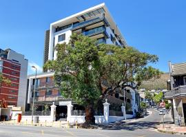 Chelsea Luxury Suites by TotalStay, luxury hotel in Cape Town