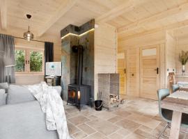 SeaUSasino - Dom Pierwszy - Luksusowe Drewniane Domy z Kominkami – hotel w pobliżu miejsca Latarnia morska Stilo w Sasinie