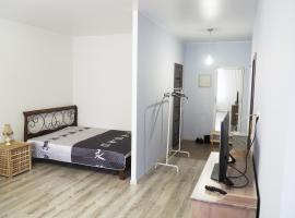 Apartments on Serebryanka 48