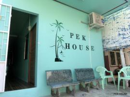 Pek House