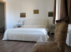 Guest House Maison 6, hotel em Lido di Ostia